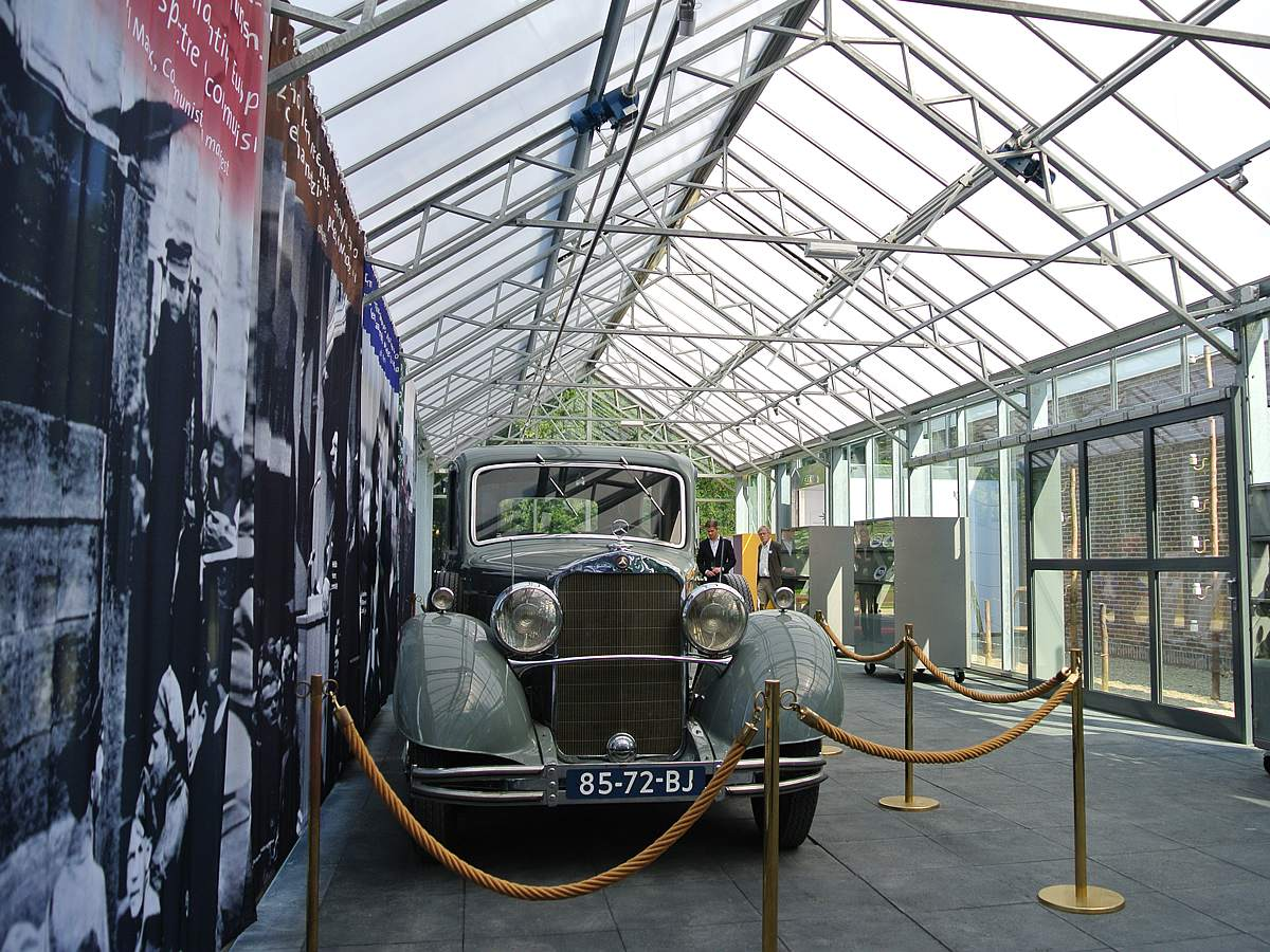 Edenparks Designed And Built A Stylish Glasshouse For The Exhitibion Of Memorabilia With The
